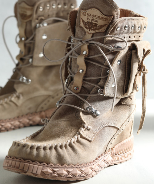 EL VAQUERO Nikila Indiana Cream Beige Mocc Boots