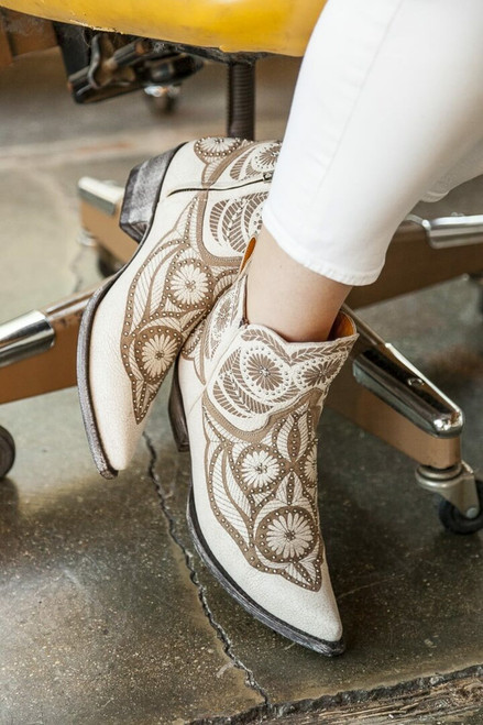 """BL2775-1 OLD GRINGO VALENTINE DION 5"""" CRACKLED TAUPE LEATHER ANKLE BOOTS"""