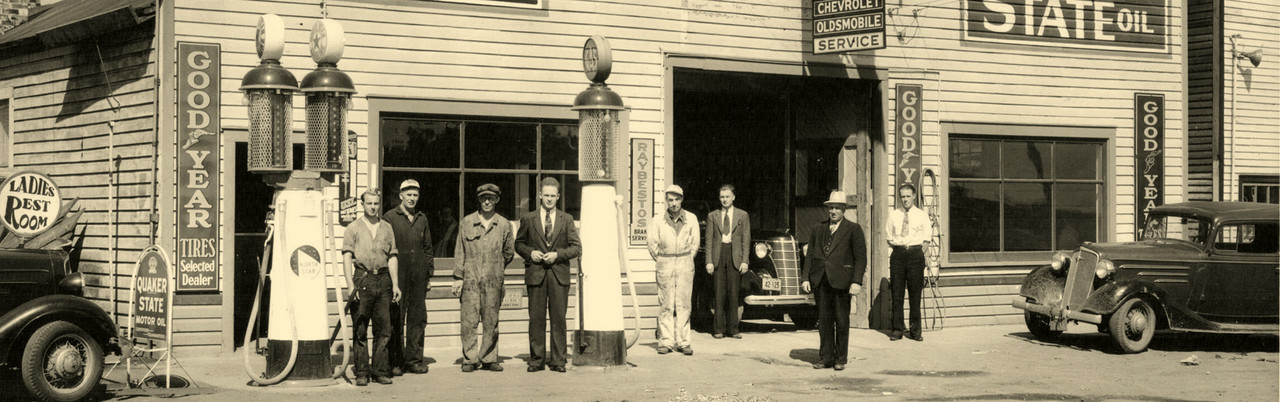 North Star Service Station with Twin Visible Gas Pumps