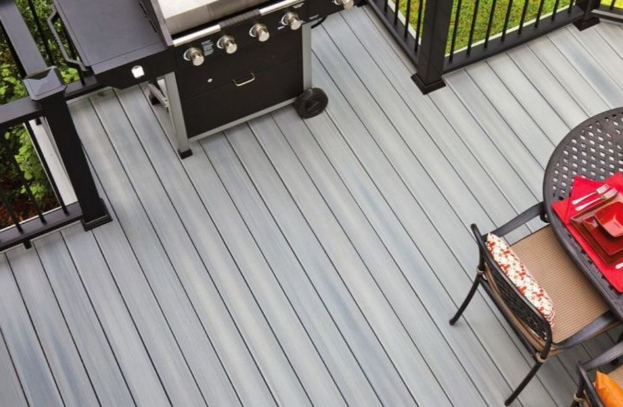 Fiberon Horizon Decking in Castle Gray