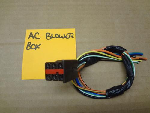 2003 - 2004 MUSTANG COBRA AC BLOWER BOX WIRE HARNESS PLUG OEM SKU# CQ38