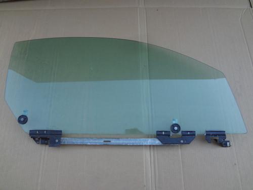 2003 - 2004 MUSTANG COBRA RH DOOR GLASS OEM