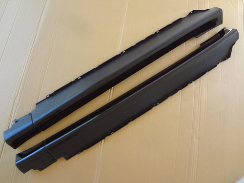 2003 - 2004 MUSTANG COBRA BLACK SIDE SKIRTS