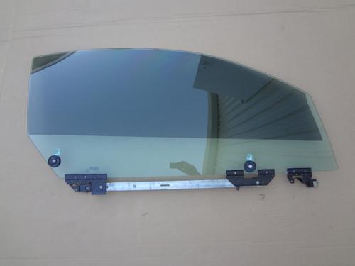 2003 - 2004 MUSTANG COBRA PASSENGER DOOR GLASS