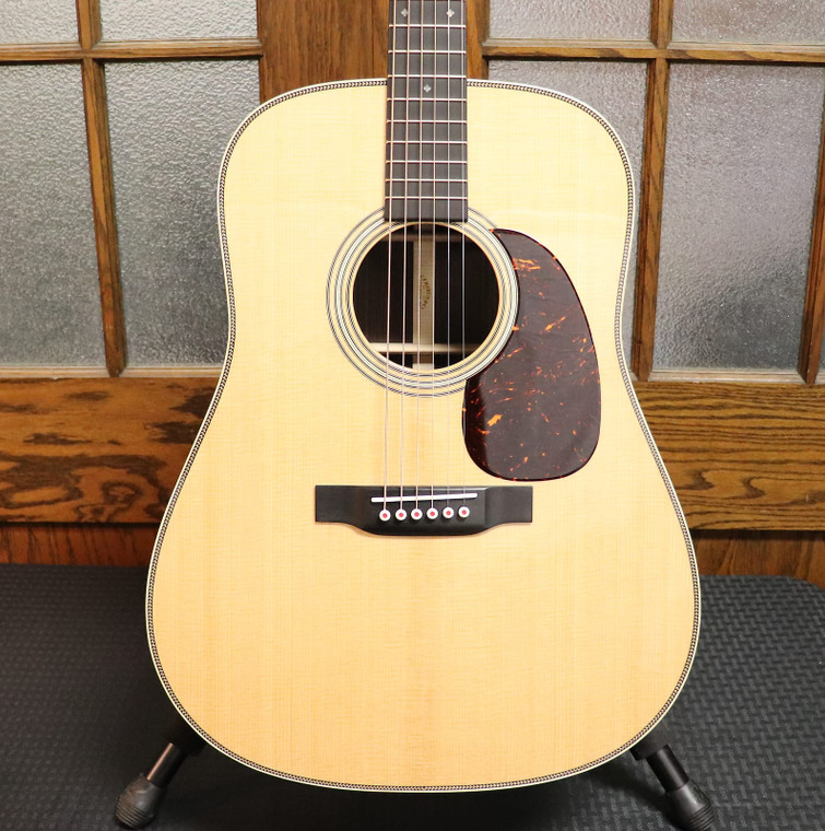 Martin D-28 Modern Deluxe Sitka Spruce / Rosewood Dreadnought Natural