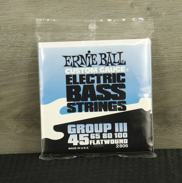 Ernie Ball 2806 Flatwound Group III Electric Bass Strings (45-100) Silver