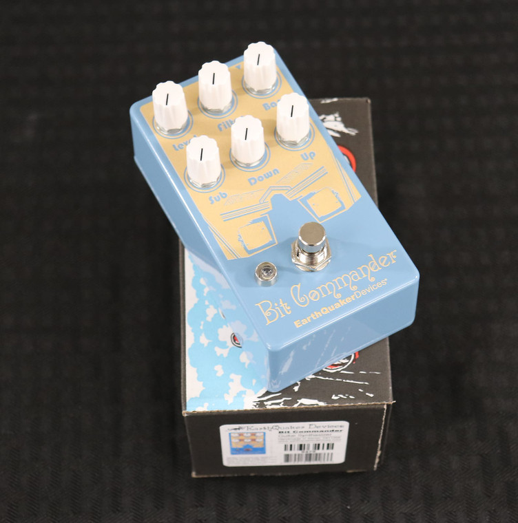 EarthQuaker Devices Bit Commander Guitar Synthesizer V2 Grey / White