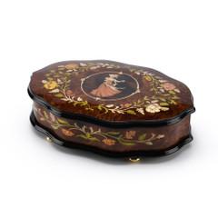 Scalloped Shape 22 Note Royal Couple Waltz Italian Music Box