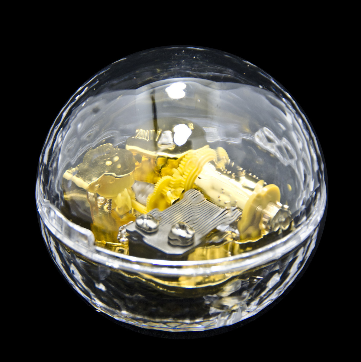 Clear 18 Note Dimpled Acrylic Round Dome Musical Paperweight