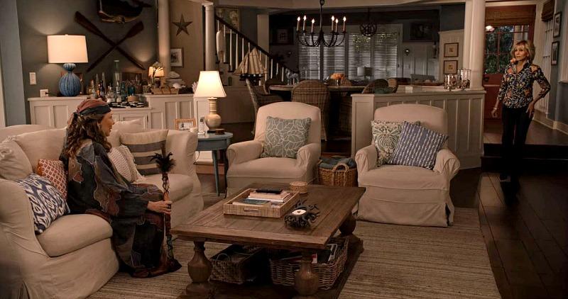 grace-and-frankie-beach-house-living-room.jpg