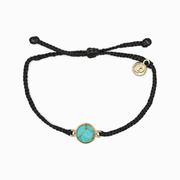 Inspired by the brilliant blue waters of the French Riviera, our Riviera Charm Bracelet isthepiece that'll put you in a summer state of mind. Designed with a round turquoise charm and bitty braided band, this bright and bold style makes every day feel like vacation.
