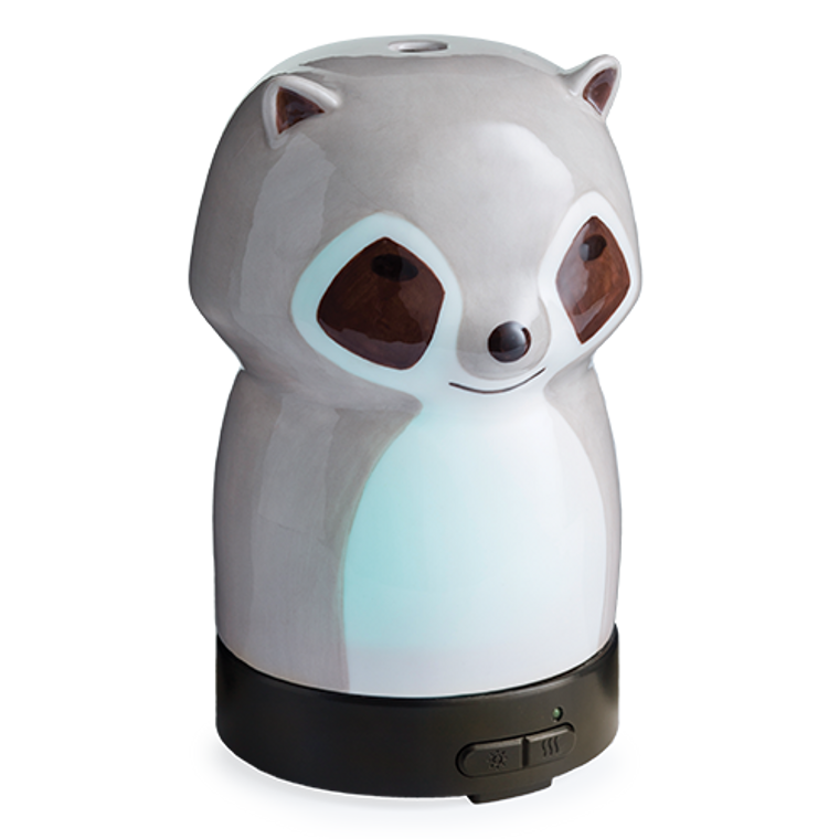 Curiosity and fun are written all over the face of the Raccoon Medium Diffuser.
