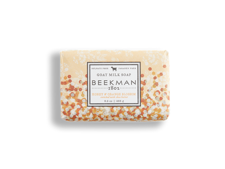A super-hydrating foamy soap infused with the citrusy goodness of sparkling white nectarine, and enriched with shea butter for all day moisture. Full-sized bar soaps are 9 oz.