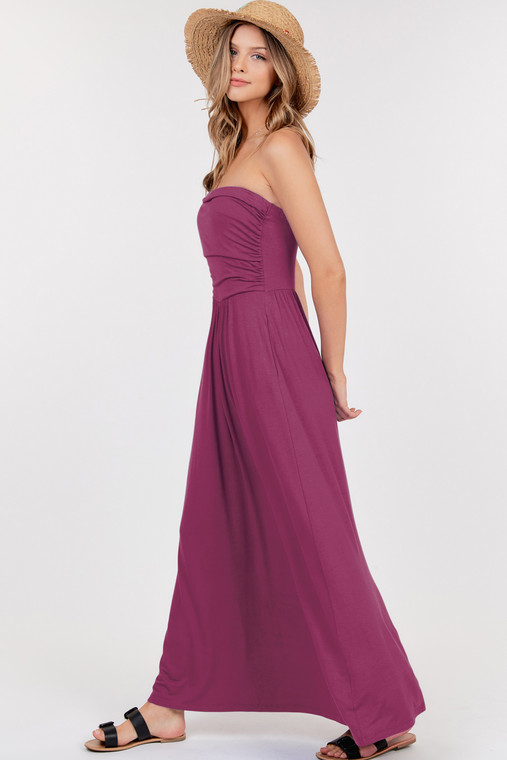A maxi dress is great, but a maxi dress with pockets is a must have! This cute little number can be casual or dressed up for a night on the town. Its simple design allows you to easily accessorize. Made out of the softest stretchy fabric, it creates a nice fit that doesn't slip.