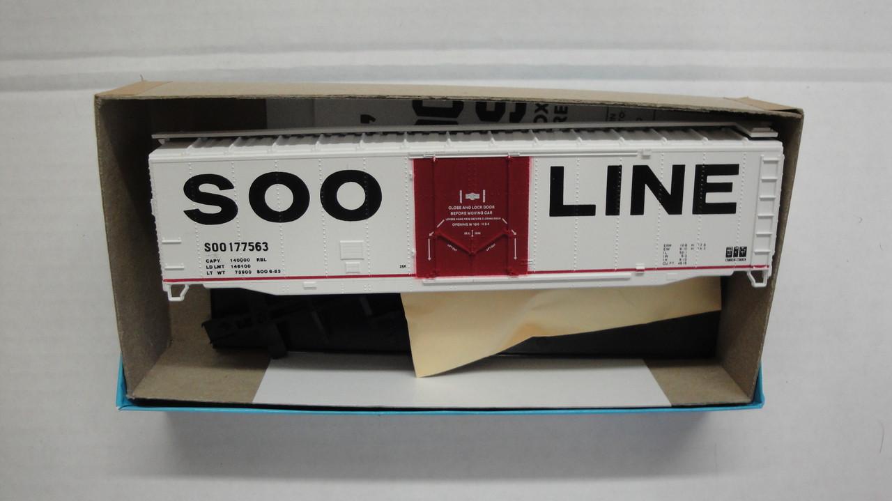 847-1 (HO SCALE) Bev-Bel-66-847-1 SOO Line 50 Plug Door Boxcar SOO 177563