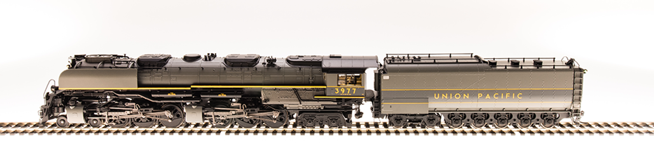 BLI 5820 Challenger 4-6-6-4 Union Pacific UP #3977 Broadway Limited  (SCALE=HO)  Part # 187-5820