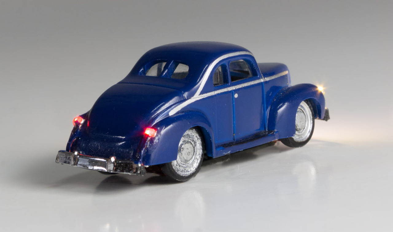 Woodland Scenics 5618 Blue Coupe - Just Plug  (SCALE=N)  Part # 785-5618