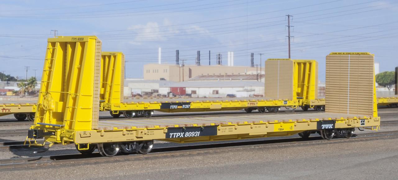Scaletrains {SXT31543} BSC F68AH Bulkhead Flatcar - TTX - TTPX #80978 (Scale=HO) Part#8003-SXT31543