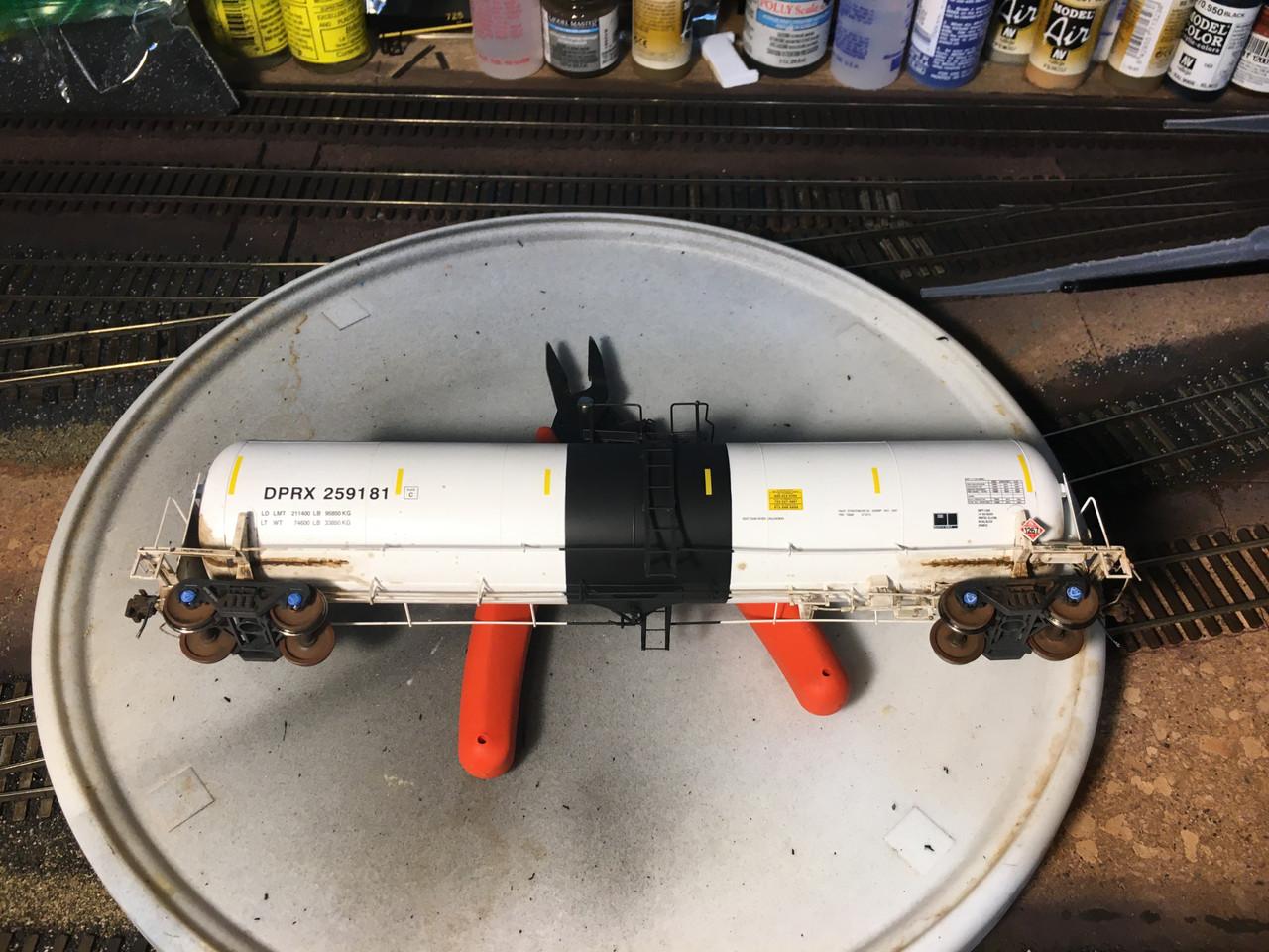 Scaletrains {SXT31653} Custom Weathered Trinity 31k Gallon Crude Oil - Deep Rock Refining Co. DRPX #259181 (Scale=HO) Part#8003-SXT31653w