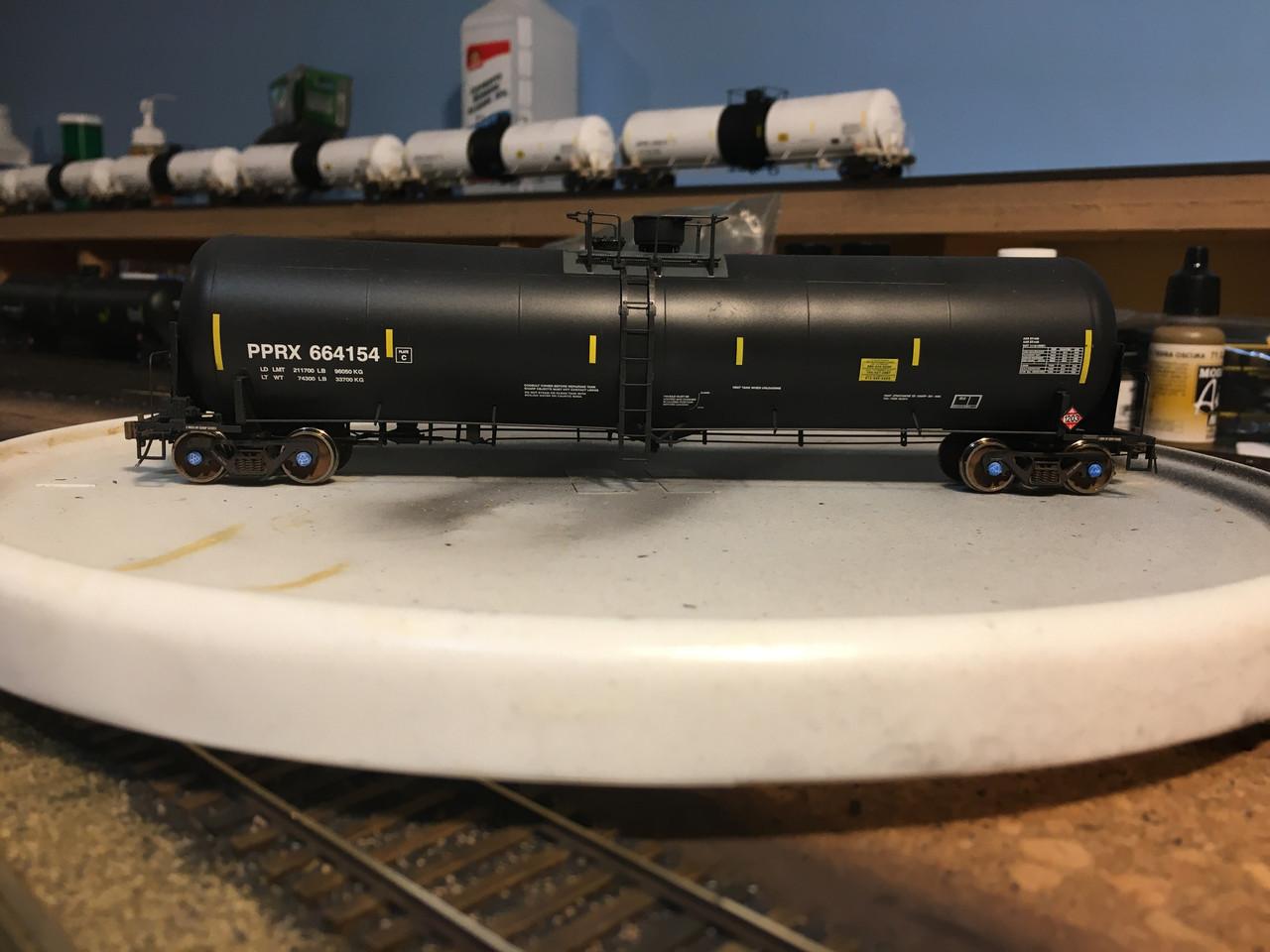 Scaletrains {SXT31642} Custom Weathered Trinity 31k Gallon Crude Oil - Phillips 66 Co. PPRX #664154 (Scale=HO) Part#8003-SXT31642w