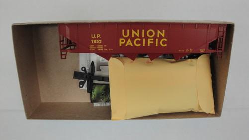 472-4 (HO SCALE) Bev-Bel-66-472-4 Union Pacific 40  Open Top Quad Hopper UP 7852