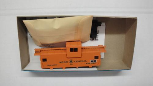 877-2 (HO SCALE) Bev-Bel-66-877-2 Maine Central 29  Wide Vision Caboose MEC 657