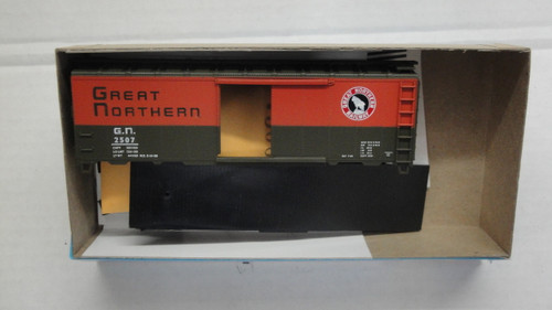1473-10 (HO SCALE) Bev-Bel-66-1473-10 Great Northern Railway 40  Steel Single Door Boxcar GN 2507