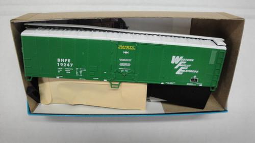 2355 (HO SCALE) Bev-Bel-66-2355 Burlington Northern 50  Mechanical Reefer BNFE 19247