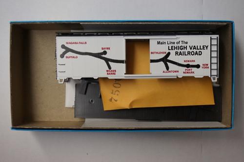 20002-1 (HO SCALE) Bev-Bel-66-20002-1 Leigh Valley 40  Steel Single Door Boxcar LV 97455