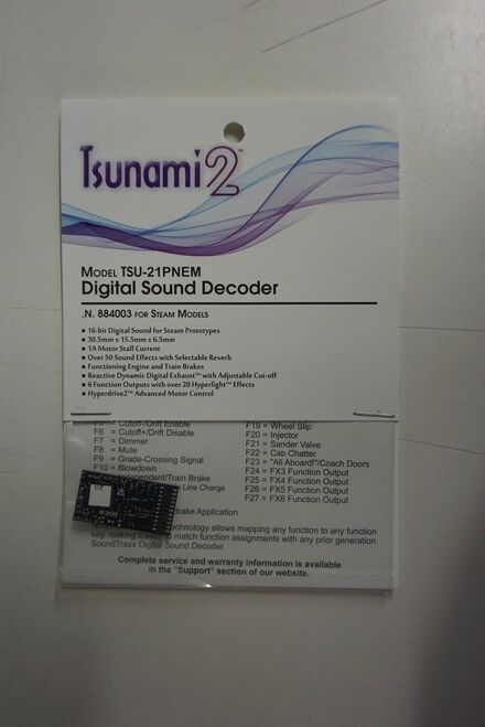 884008 Soundtraxx / Tsunami 2 Steam-2, 6-Function, Universal TSU-21PNEM (1 Amp) Digital Sound Decoders (Scale=HO) Part # = 678-884008