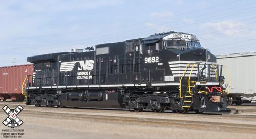 Scaletrains {SXT31328} GE Dash 9-44CW - ESU v5.0 DCC and Sound - NS Norfolk Southern #9692 (SCALE=HO)