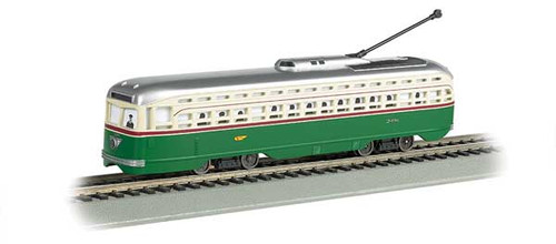 60503 BACHMANN / Philadelphia Transit Co. (green, cream) PCC Streetcar w/DCC, Sound & Sparking Trolley Pole Bachmann Industries   (HO Scale) Part # = 160-60503