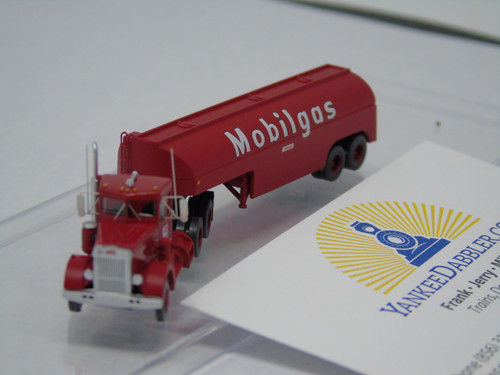Trainworx 55017 Mobilgas - Peterbilt 350 Tractor w/32' Tank Trailer - Assembled  (SCALE=N)  PART #744-55017