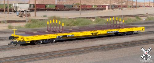 Scaletrains SXT32232 BSC F68BH Finger Rack Flatcar TTJX - Trailer Train - Yellow (R1) #80432 HO Scale