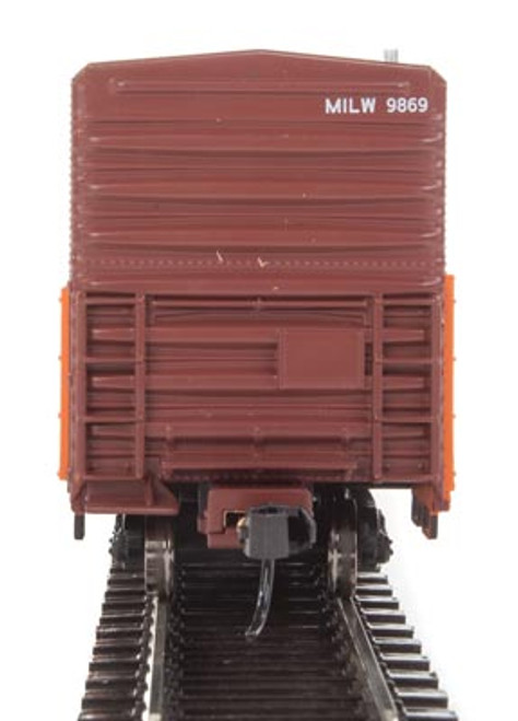 Walthers 910-3932 57' Mechanical Reefer MILW - Milwaukee Road #9869 HO Scale