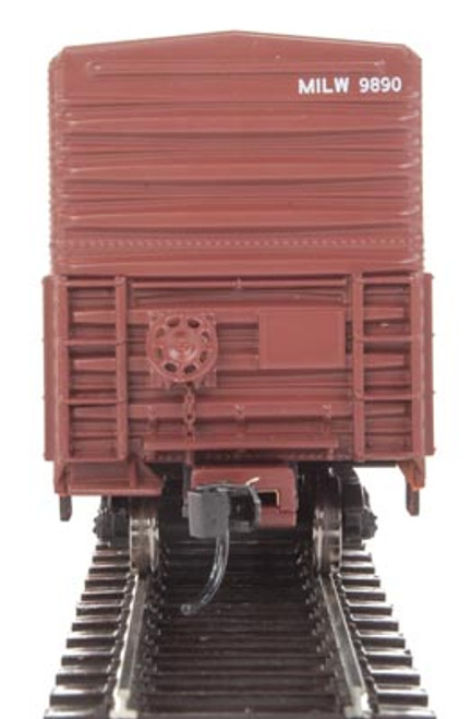 Walthers 910-3933 57' Mechanical Reefer MILW - Milwaukee Road #9890 HO Scale