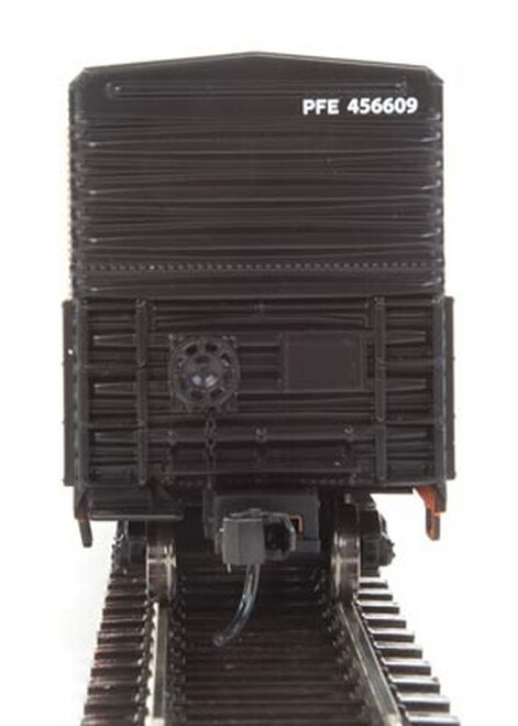 Walthers 910-3935 57' Mechanical Reefer PFE - Pacific Fruit Express #456609 HO Scale