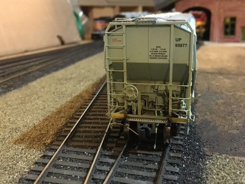 Scaletrains SXT31618 CW Custom Weathered Greenbrier 5188cf Covered Hopper UP - Union Pacific #95977 HO Scale