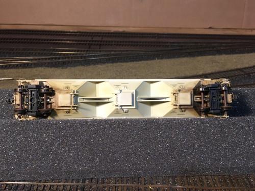Scaletrains SXT31565 CW Custom Weathered Greenbrier 5188cf Covered Hopper BNSF #486059 HO Scale