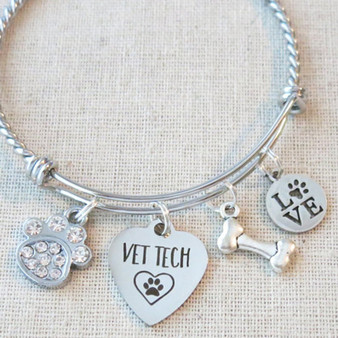 VET TECH GIFT - Vet Tech Graduation Bracelet Gift, Vet Tech Paw Print Dog Bone Charm Bracelet, Vet Nurse Gift, Gifts for Vet Tech, New Vet Tech