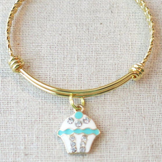 HAPPY BIRTHDAY Cupcake Charm Bracelet, Little Girls Birthday Bracelet, Daughter Granddaughter Birthday Gift, Birthday Gift for Teenage Girl
