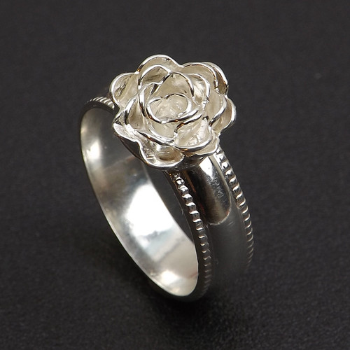 17-0421.31 Ruffled Rose Ring