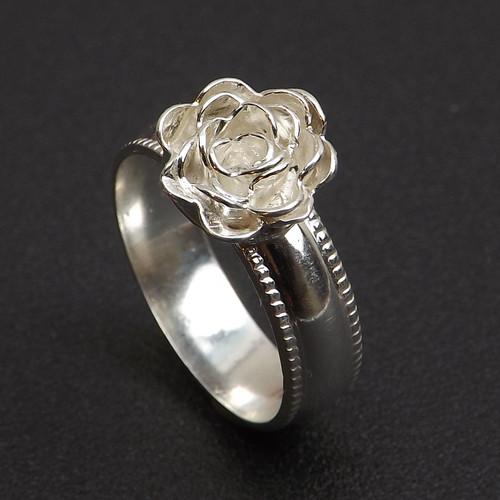 17-0421.31 Ruffled Rose Ring