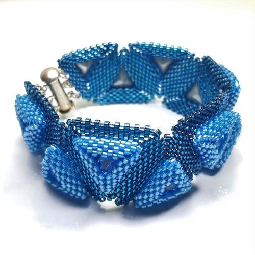 23-1021.05  Swarovski Trillion Bracelet