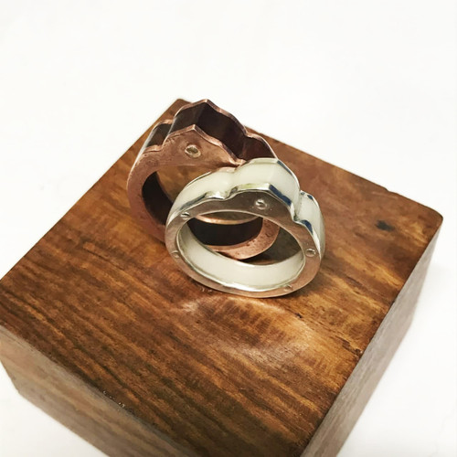 23-1021.27  Silhouette Ring