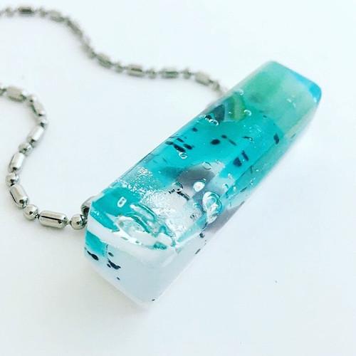 21-1021.16 Glass Jewelry