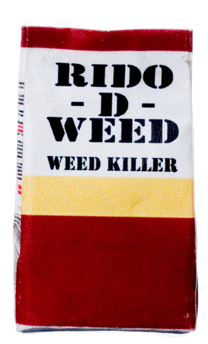 Dollhouse Miniature - RIDO-D-WEED WEED KILLER - FA56002