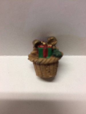 3969 - Christmas Basket - Filled - Plastic