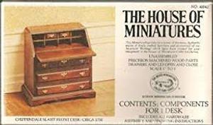 40042 - Chippendale Slant Front Desk