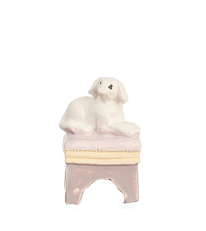 "MA9208 -1/2"" Scale Mini Ottoman W/White Dog"